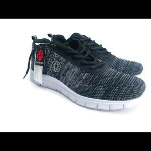 Akademiks Mens 9.5 shoe